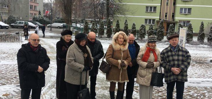16 grudnia godz. 11,00 członkowie SKBPPS składają wiązankę po Pomnikiem